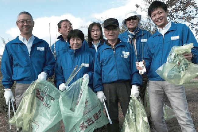 「戸田川きれいにし隊」に毎年参加しています。